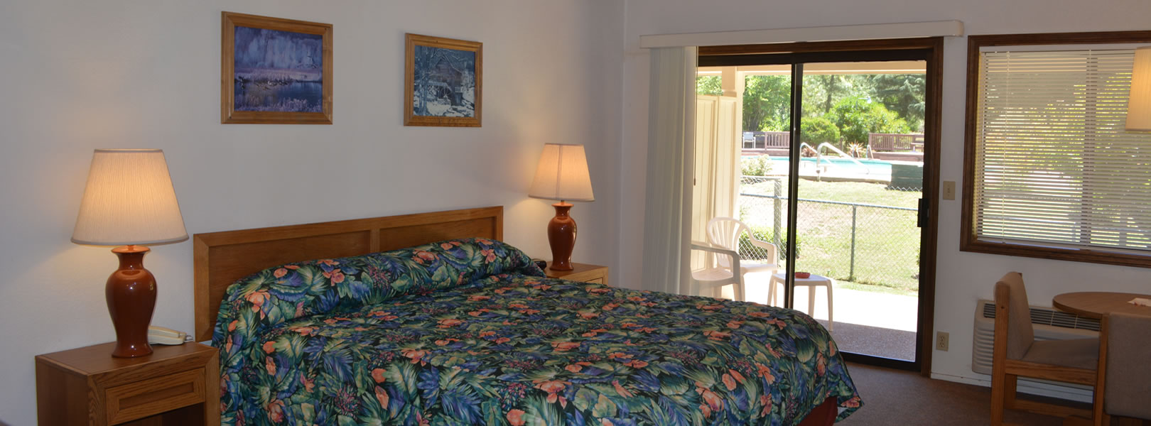 gold country hotel room